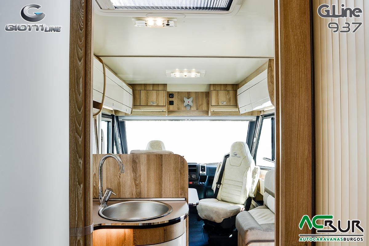 GiottiLine GL937 Interior 06