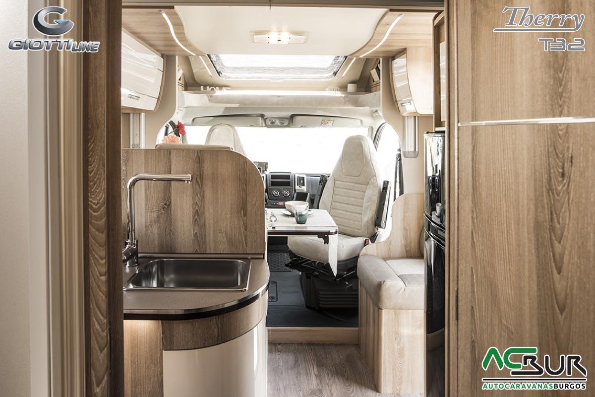 GiottiLine Therry T32 interior trasero